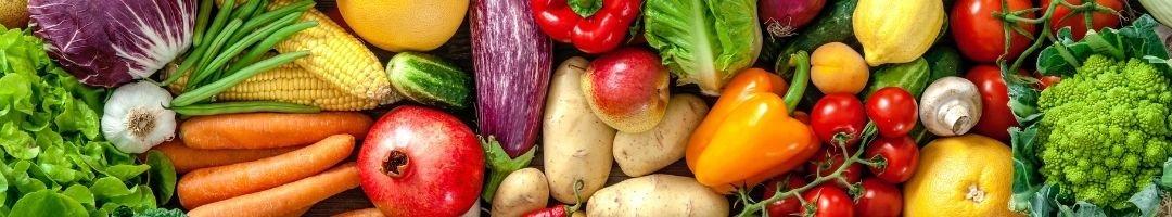 Apfel, Paprika, Mörhen, Tomaten und Granatapfel