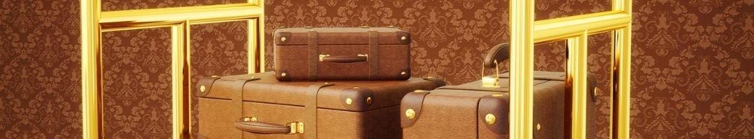 Kofferwagen in einem Hotelflur